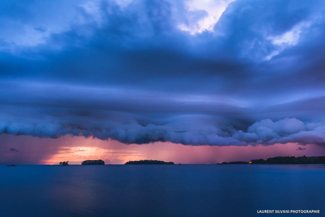 Orage et coucher de soleil sur le lac St-Jean