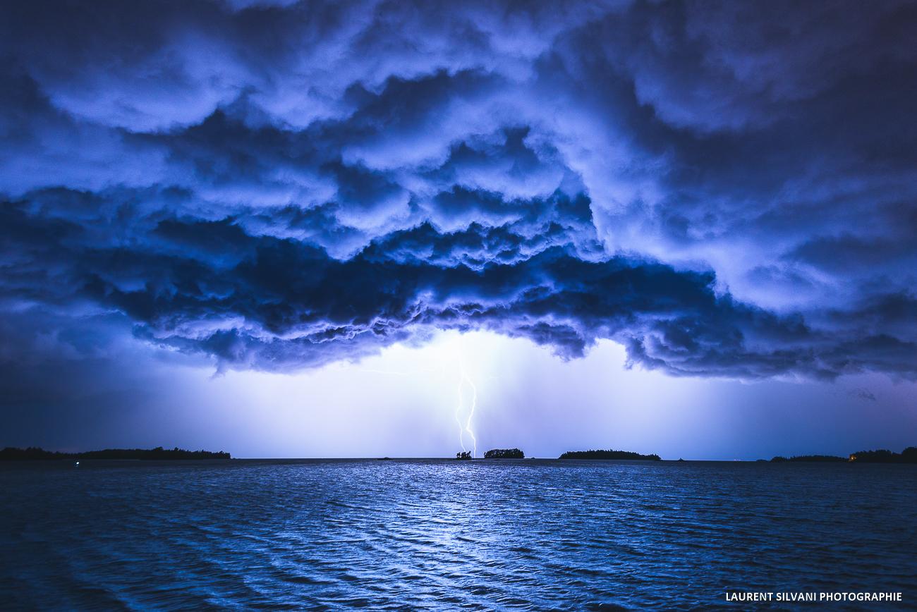 Un éclair sur le lac St-Jean