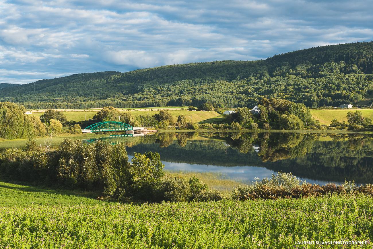Lac Kénogamichiche et le Mont Lac-Vert